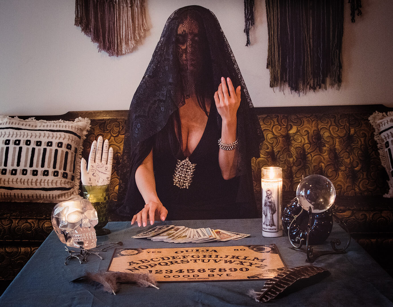 Rhiannon Pop-Up Bar - Tarot Reader